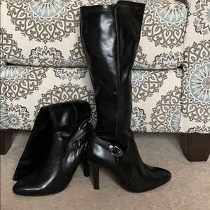 Like new Dana Buchman boots